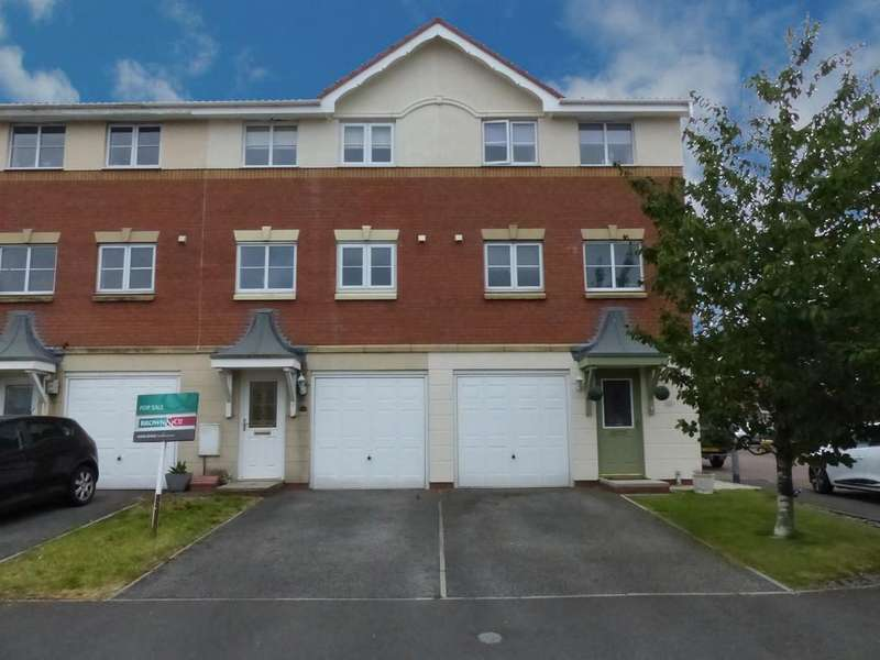 3 Bedrooms Town House for sale in Swift Drive, Scawby Brook, North Lincolnshire
