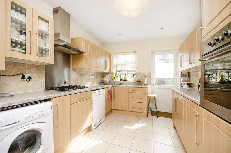 4 Bedrooms Terraced House for sale in Studley Road, Forest Gate, E7