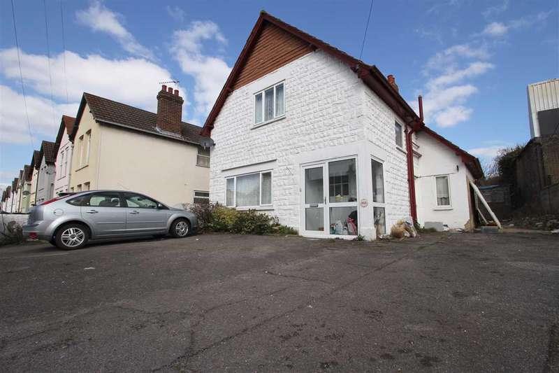 3 Bedrooms Detached House for sale in Woodbridge Road, Ipswich