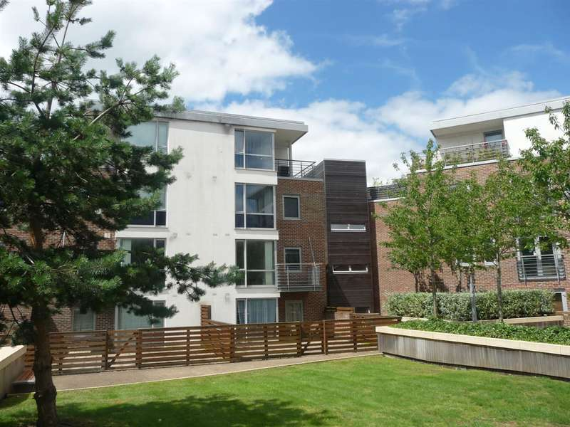 2 Bedrooms Apartment Flat for sale in Richmond House, Bonfire Corner, Portsmouth