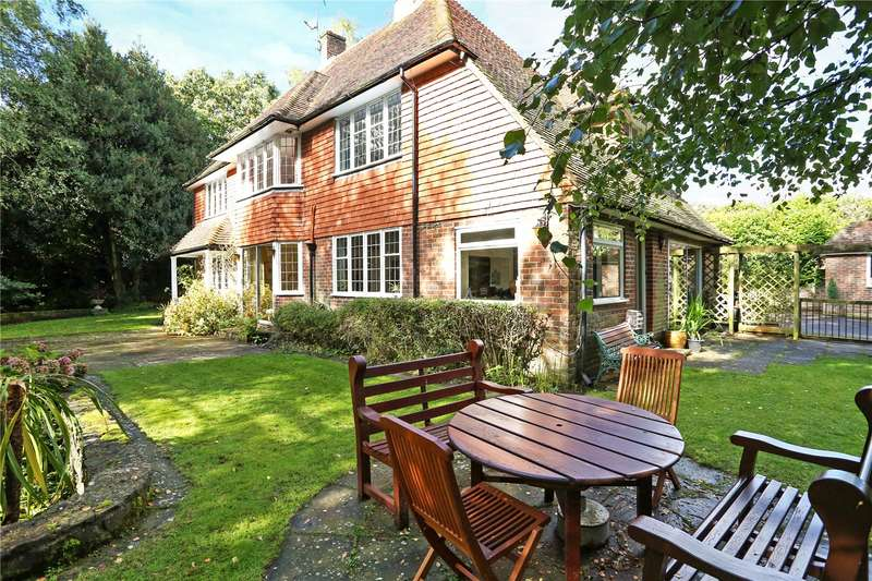 4 Bedrooms Detached House for sale in Rowhills, Farnham, Surrey, GU9
