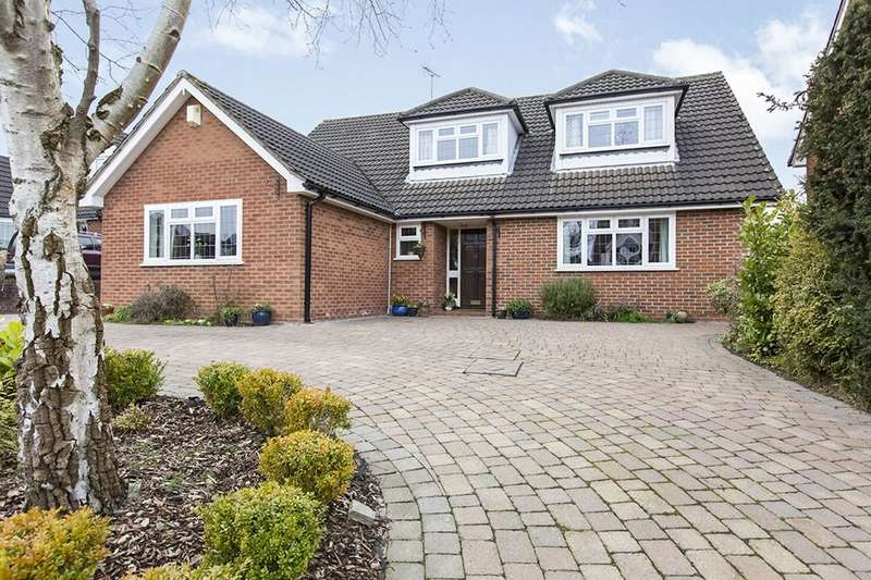 4 Bedrooms Detached House for sale in Tudor Way, Congleton, CW12