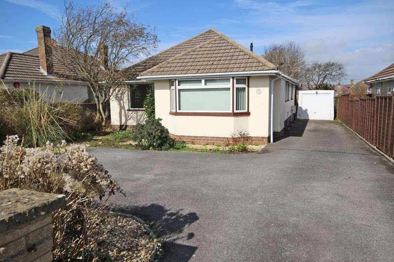 3 Bedrooms Detached Bungalow for sale in Seafield Road, Barton On Sea, New Milton