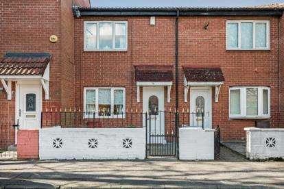3 Bedrooms Terraced House for sale in Edrom Court, Shettleston, Lanarkshire