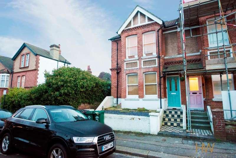 2 Bedrooms Maisonette Flat for sale in Landseer Road, Hove, East Sussex, BN3 7AF