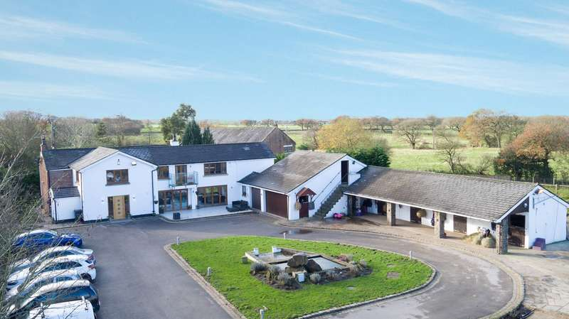 5 Bedrooms Equestrian Facility Character Property for sale in Back Lane, Charnock Richard, Chorley, PR7
