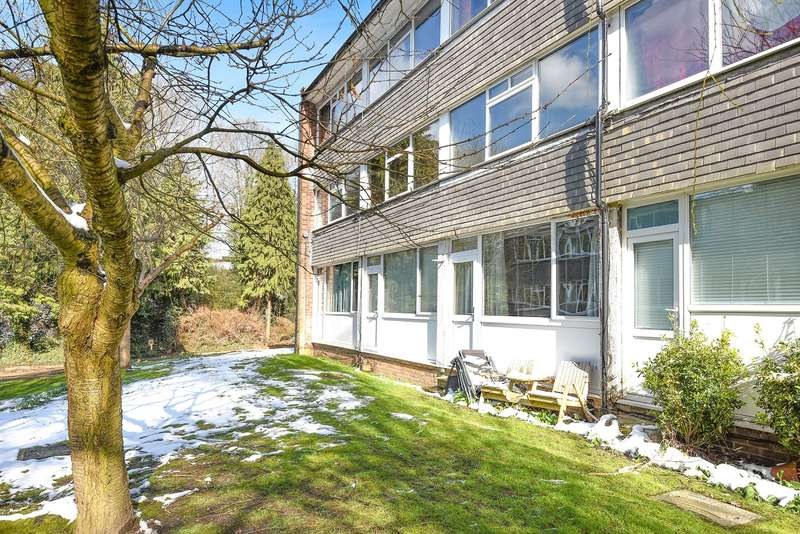 3 Bedrooms Town House for sale in Mill Close, Wokingham, RG41