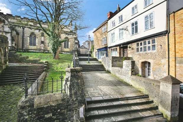 5 Bedrooms House for sale in Church Steps, Frome