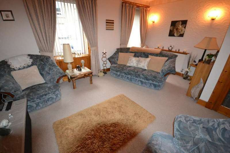 2 Bedrooms Flat for sale in 11/2, Princes Street Hawick, TD9 7AX
