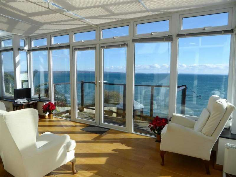 4 Bedrooms Detached House for sale in Cliff Road, Mousehole, Penzance, Cornwall, TR19