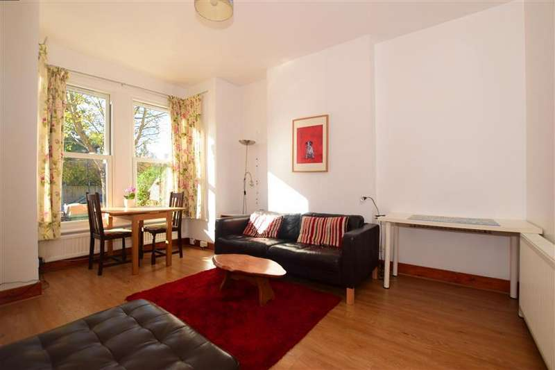 2 Bedrooms Ground Flat for sale in Colworth Road, Upper Leytonstone
