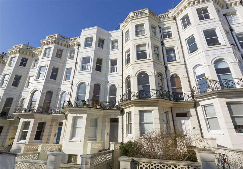 2 Bedrooms Flat for sale in Cambridge Road, Hove