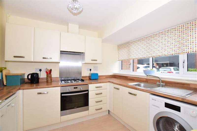 4 Bedrooms Town House for sale in Teddington Drive, West Malling, Kent