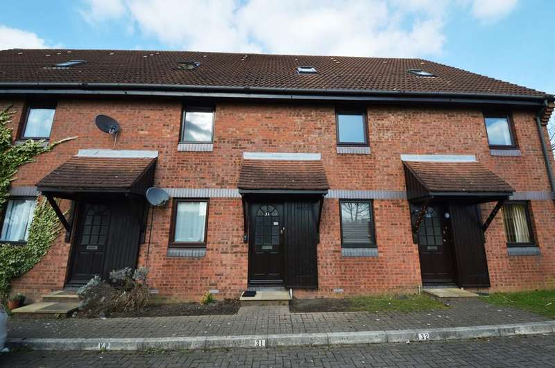 2 Bedrooms House for rent in Meon Close, Petersfield, GU32