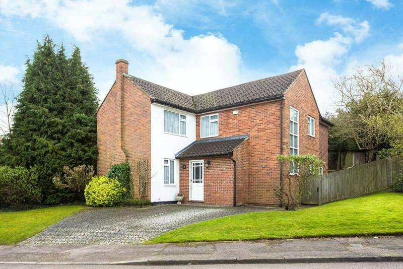 4 Bedrooms Detached House for sale in Little Potters, Bushey, Hertfordshire, WD23