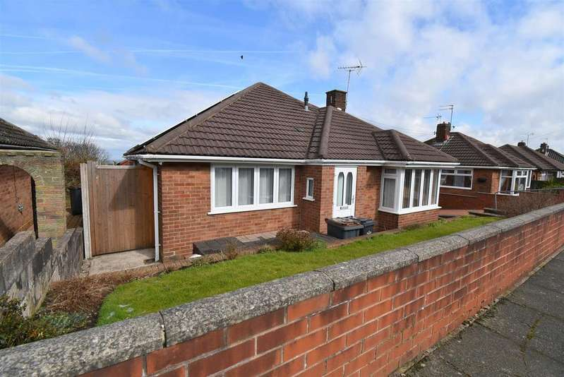 3 Bedrooms Detached Bungalow for sale in Derby Road, Talke