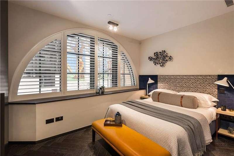 1 Bedroom Flat for sale in Poland Street, London, W1F