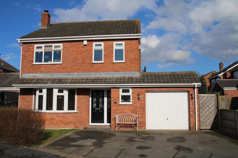 4 Bedrooms Detached House for sale in Newborough Close, Austrey, Atherstone