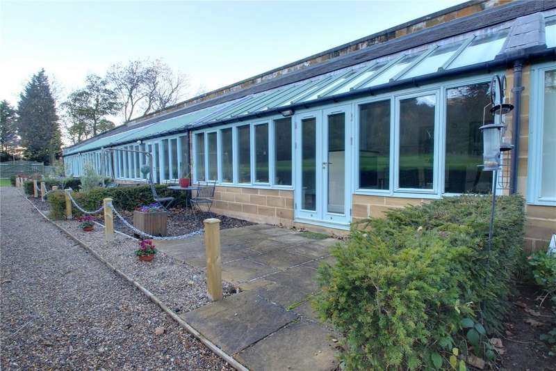 2 Bedrooms Terraced House for sale in Wilton Castle, Wilton