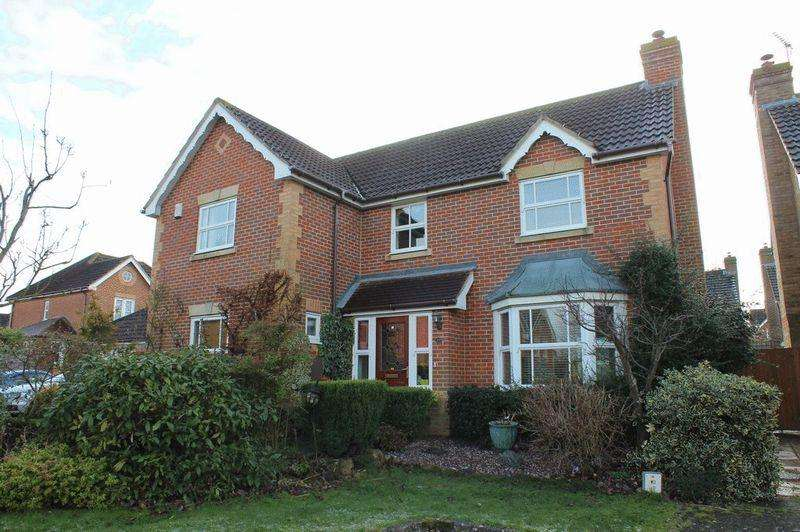 4 Bedrooms Detached House for sale in Kings Hill, West Malling