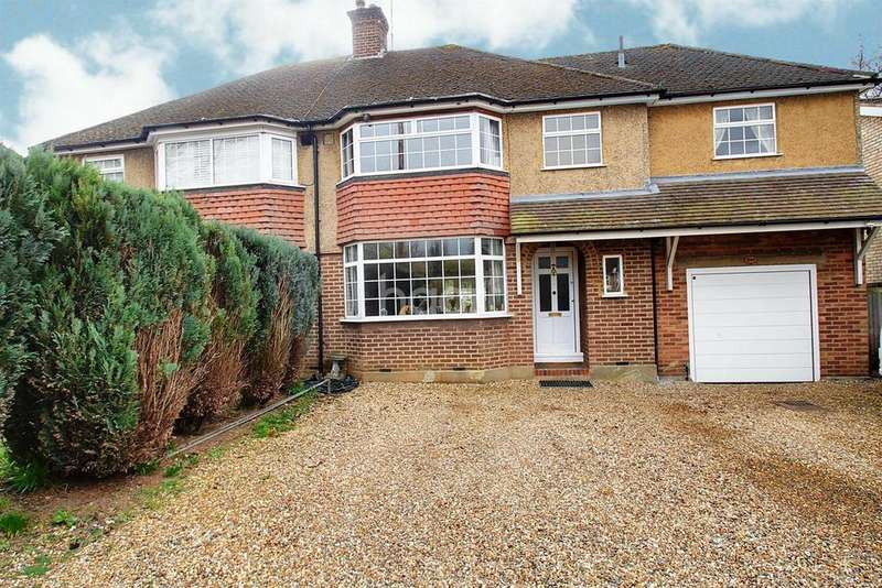 4 Bedrooms Semi Detached House for sale in Hyde Lane, Nash Mills