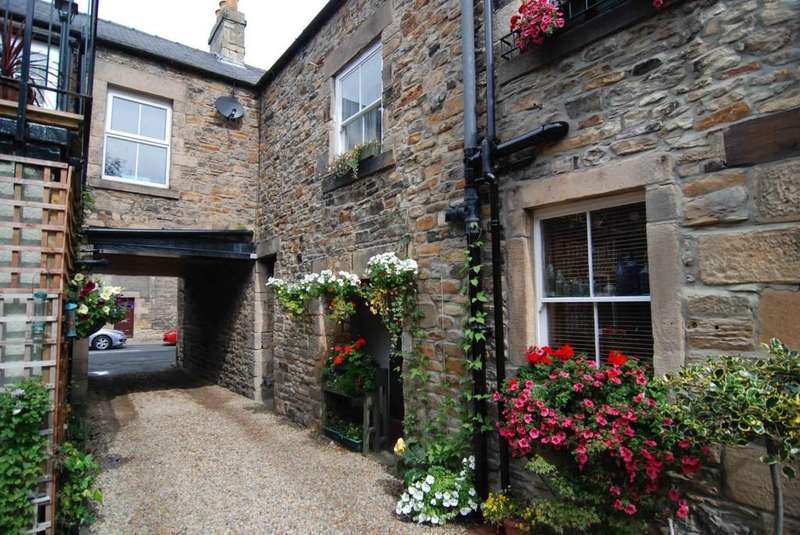 2 Bedrooms Terraced House for rent in Shaftoe Mews, Haydon Bridge