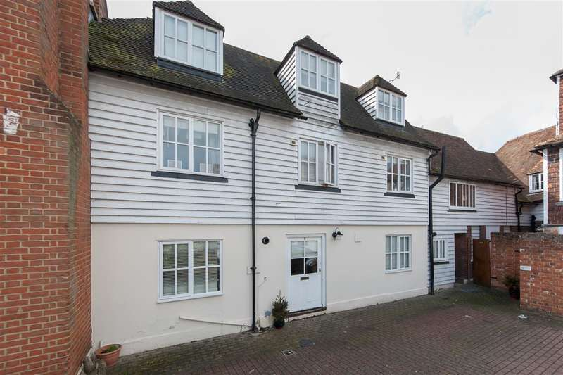 4 Bedrooms Terraced House for sale in Millers Yard, Canterbury