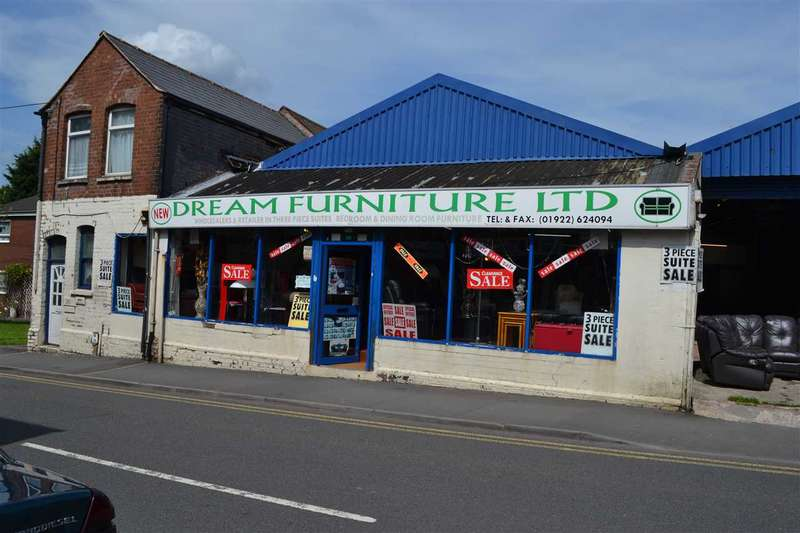 Commercial Property for rent in Corporation Street, Walsall, Walsall