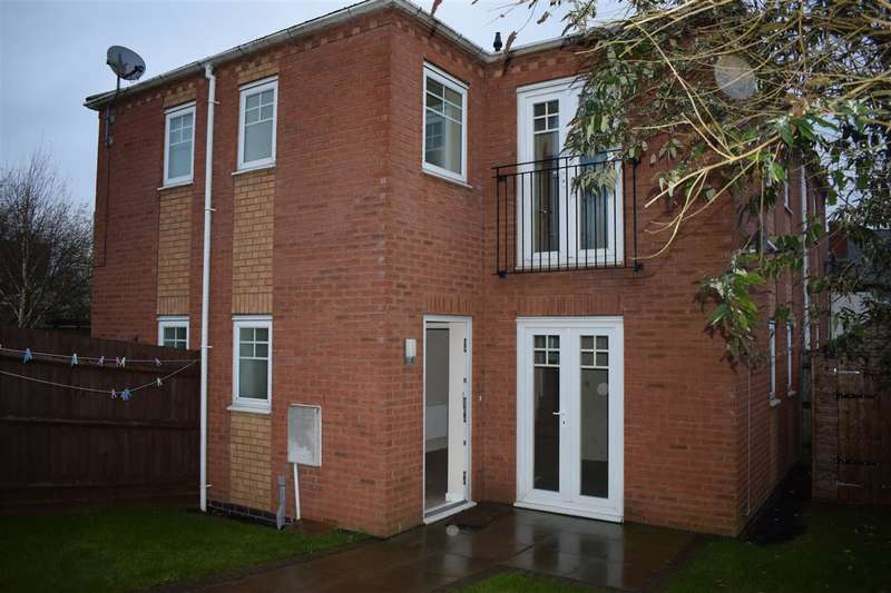 2 Bedrooms Terraced House for sale in Clarence St, Dudley