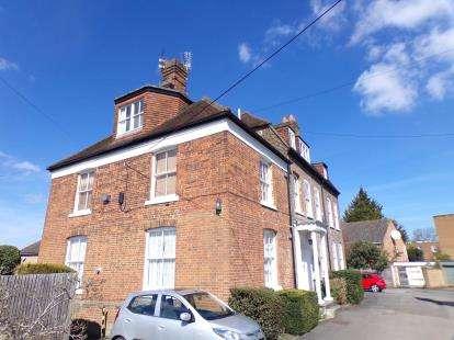 3 Bedrooms Flat for sale in Terrace House, Croft Mews, Woodside Park, London