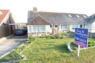 2 Bedrooms Bungalow for sale in Cissbury Crescent, Saltdean, Brighton, East Sussex