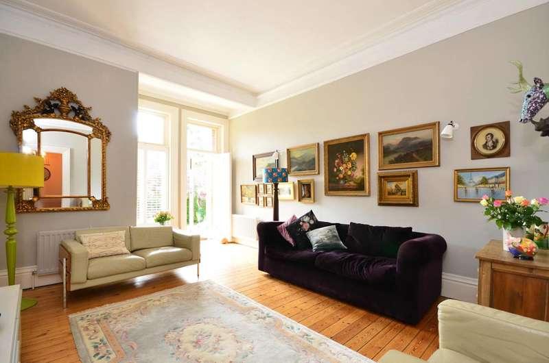 2 Bedrooms Flat for sale in Boxgrove Road, Merrow, GU1