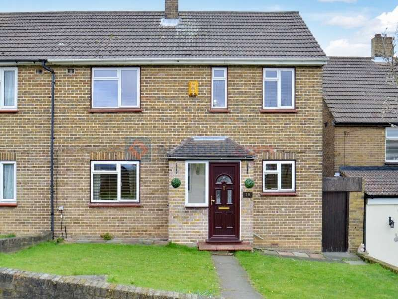 3 Bedrooms Semi Detached House for sale in Hurstwood Avenue, Bexleyheath DA7