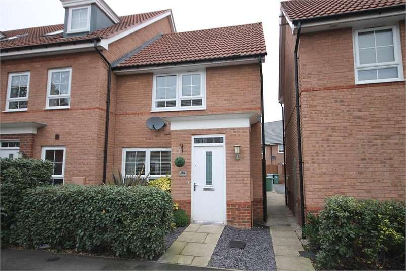 2 Bedrooms Town House for sale in Goldstraw Lane, Fernwood, Newark, Nottinghamshire. NG24 3FD