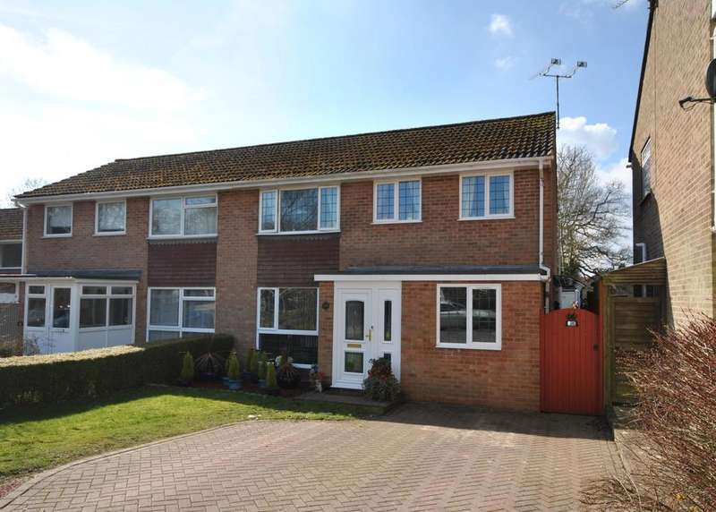 5 Bedrooms Semi Detached House for sale in Bartholomew Close, Haslemere, GU27