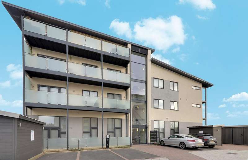 2 Bedrooms Apartment Flat for sale in Darwin Court , Kingswood Place, Uxbridge Road, Hayes UB4
