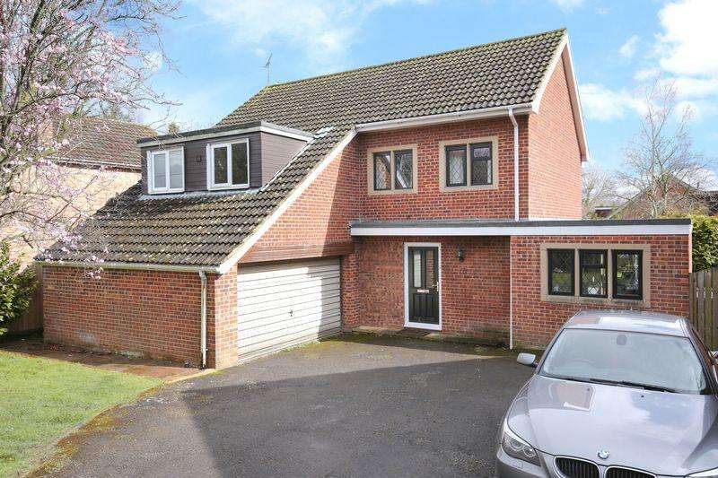 4 Bedrooms Detached House for sale in Southwick