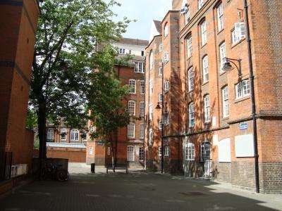 2 Bedrooms Apartment Flat for sale in SWANFIELD STREET, Shoreditch, E2 7LE