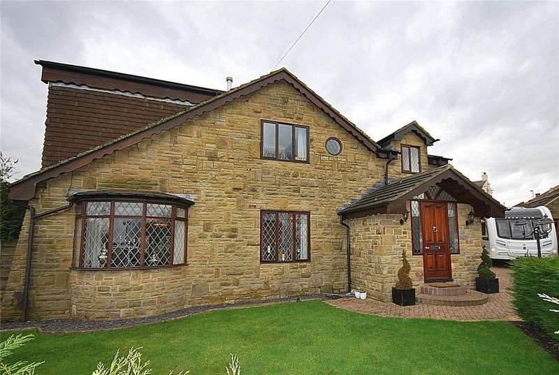 5 Bedrooms Detached House for sale in Roberttown Lane, Roberttown, West Yorkshire, WF15