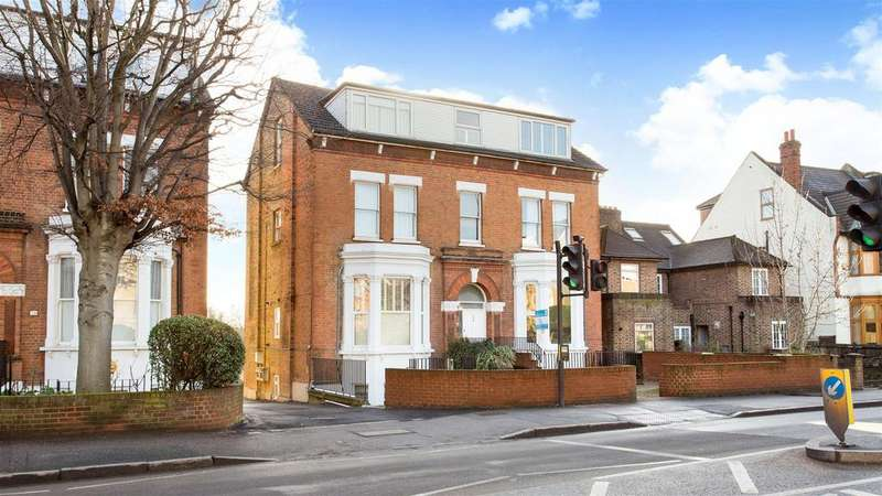 2 Bedrooms Apartment Flat for sale in Worple Road, Wimbledon, SW19