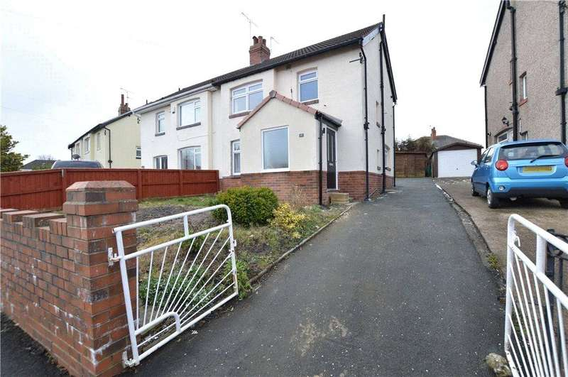 3 Bedrooms Semi Detached House for sale in The Oval, Leeds, West Yorkshire