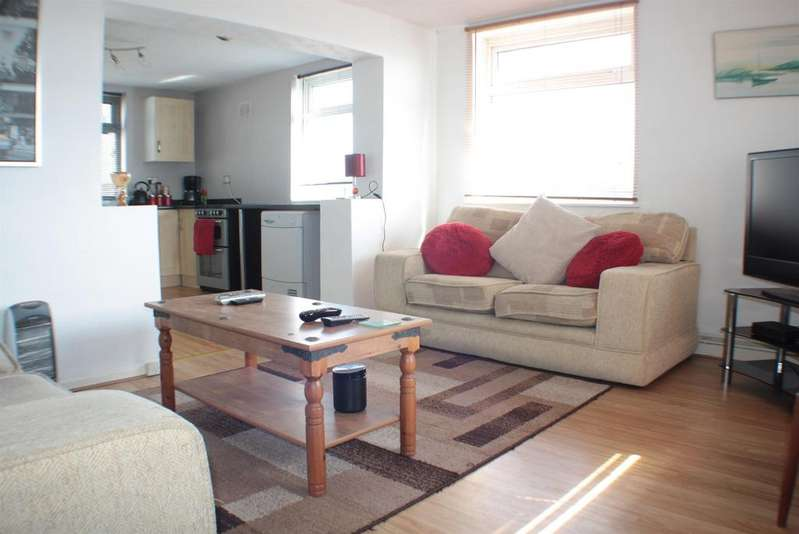 2 Bedrooms Flat for sale in Highridge Green, Highridge, Bristol, BS13 8BN