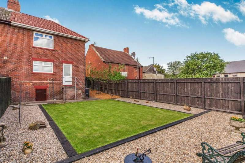 3 Bedrooms Semi Detached House for sale in Briardale, Consett, DH8