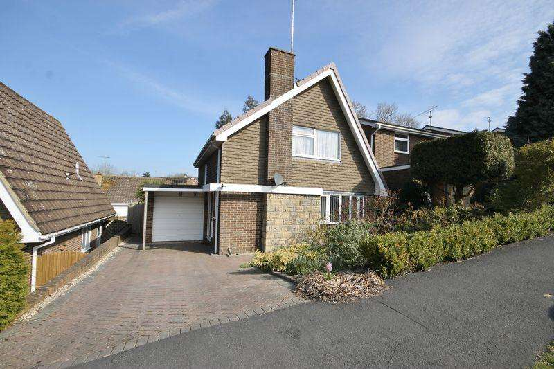 2 Bedrooms Detached House for sale in Oak Hall Park, Burgess Hill, West Sussex