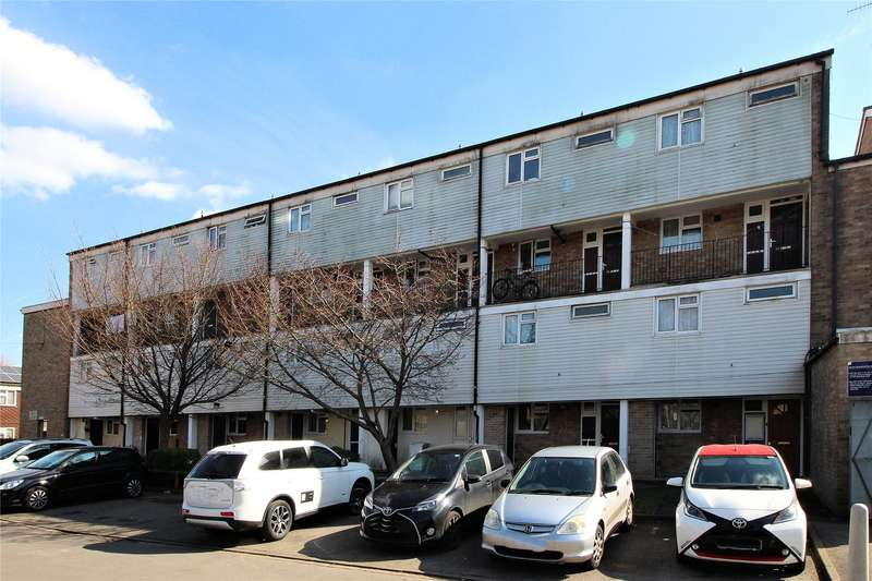 3 Bedrooms Maisonette Flat for sale in Brookfield, Woking, Surrey, GU21