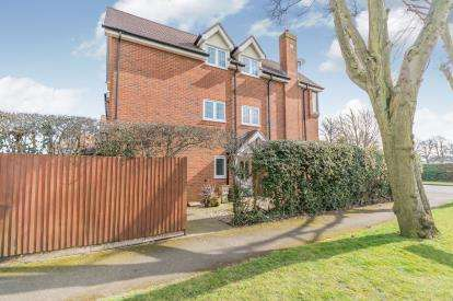 3 Bedrooms End Of Terrace House for sale in School Lane, Solihull, West Midlands