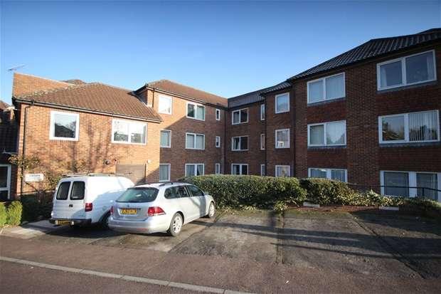 1 Bedroom Flat for sale in Homedell House, Roundwood Lane, Harpenden