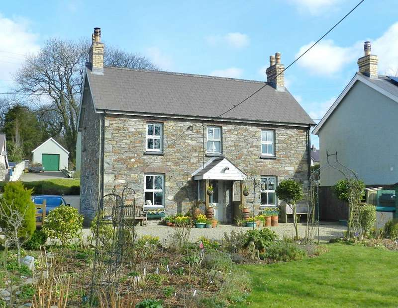 3 Bedrooms Detached House for sale in New Moat Cottage, New Moat, Clarbeston Road, Pembrokeshire