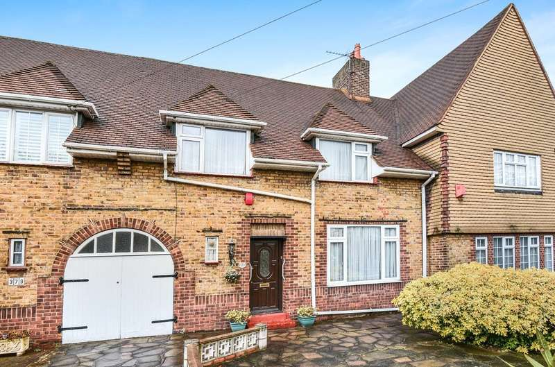 3 Bedrooms Terraced House for sale in Westhorne Avenue, London SE12