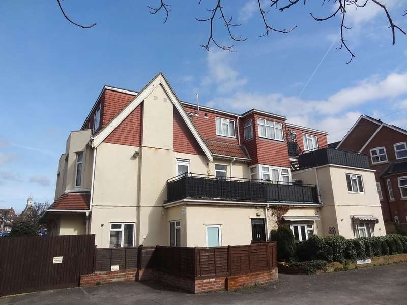 2 Bedrooms Flat for sale in Sea Road, Boscombe